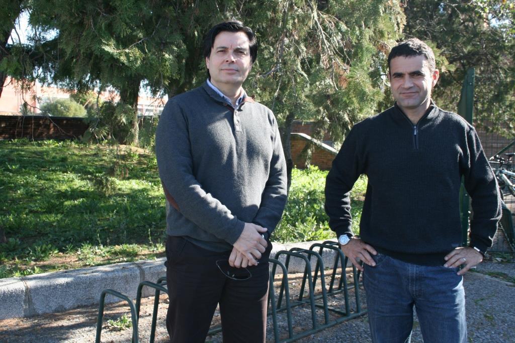 Los profesores José Mª Abril y Raúl Periáñez