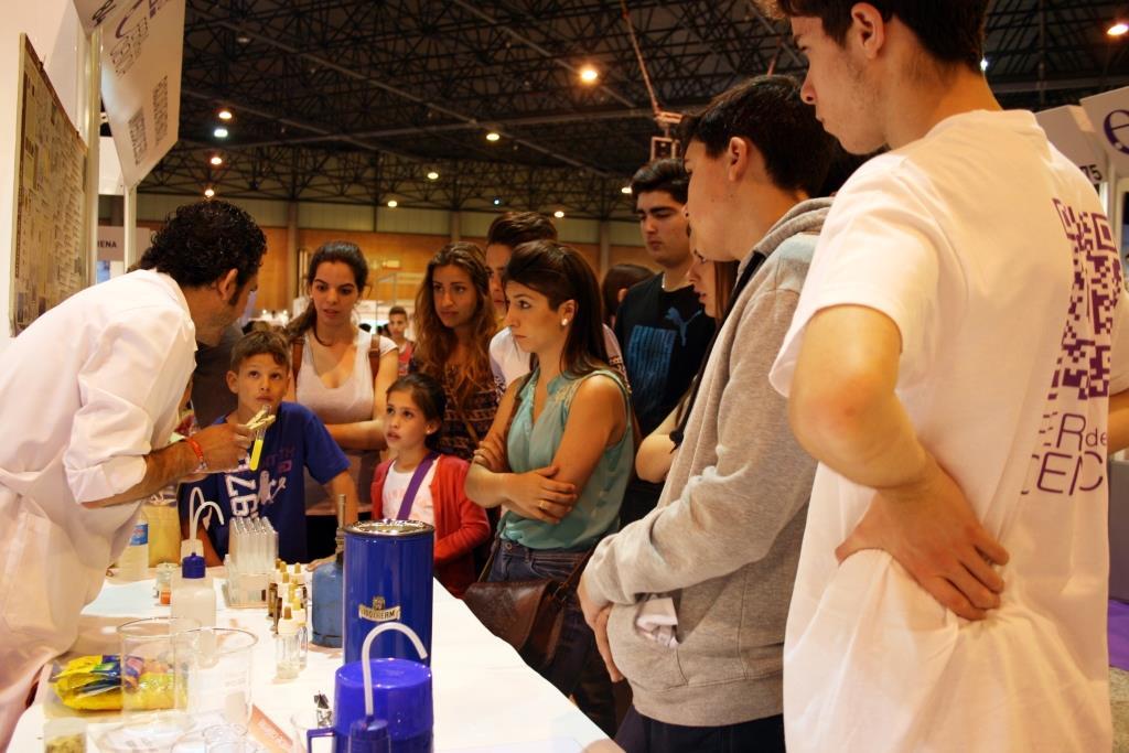 Estand de Química de la Universidad de Sevilla