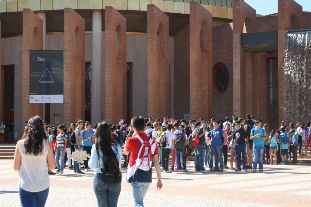 Segunda jornada en la Feria de la Ciencia de Sevilla