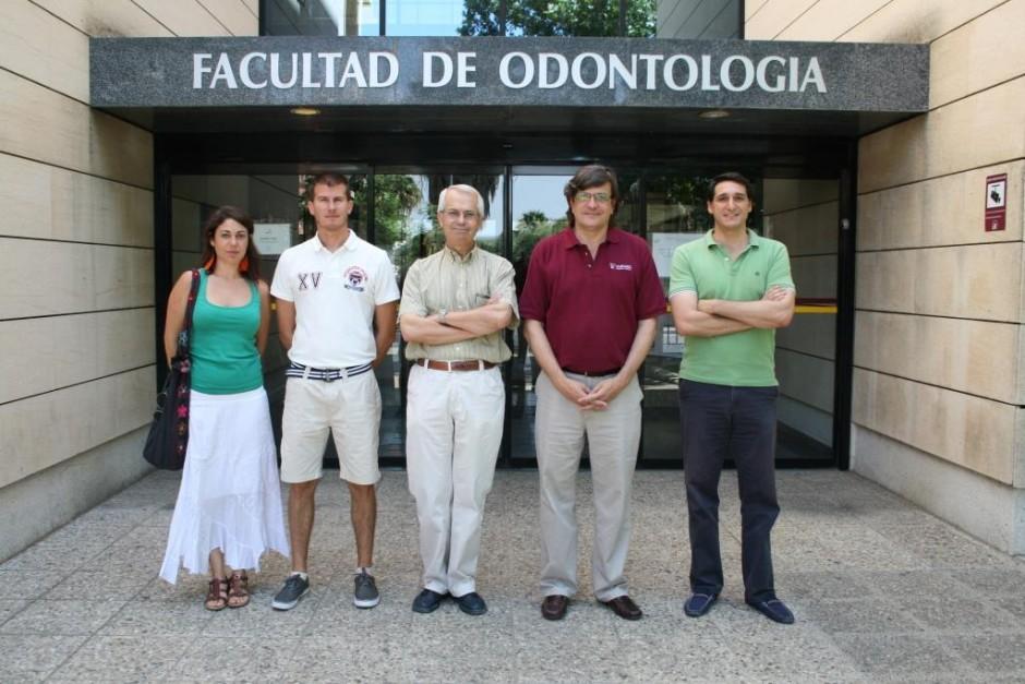 Daniel Torres y sus compañeros de investigación