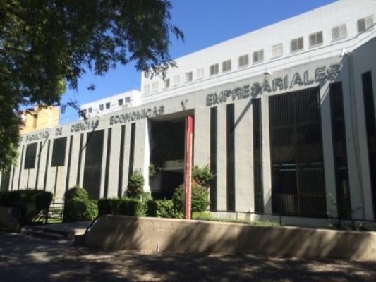 Facultad de Ciencias Económicas y Empresariales de Sevilla