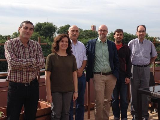 Sergio Cruces junto a sus compañeros de investigación