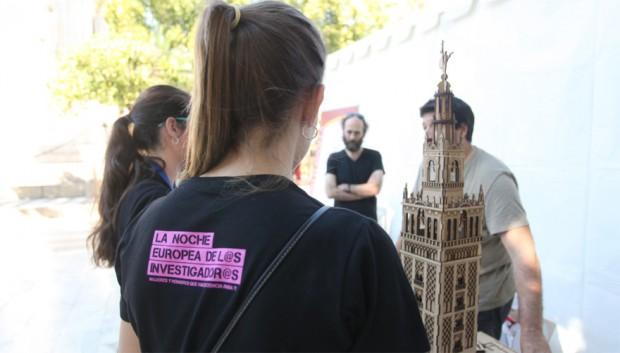 Estudiantes en la Noche Europea de l@s Investigador@s Sevilla
