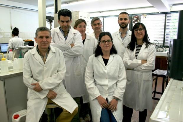 Investigadores del grupo 'Tecnología y diseño de productos multicomponentes' de la Universidad de Sevilla