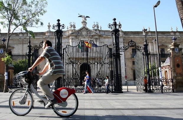 La rentabilidad socioeconómica de la construcción de la red de carriles bici en Sevilla se situará alrededor del 130%