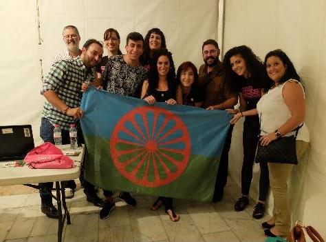 Mayte Padilla y miembros de Fakali en la Noche Europea de los Investigadores